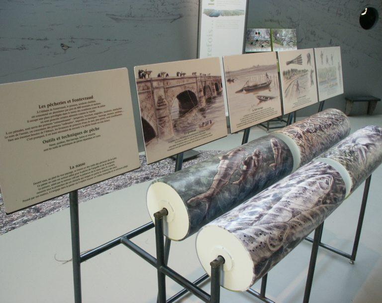 Panneau d'information dans un Musée