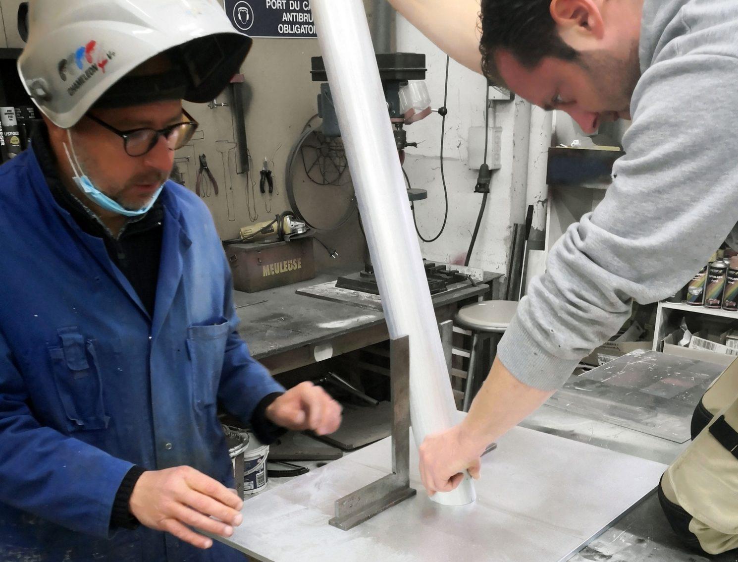 Fabrication de signalétique dans notre atelier de Le Mans